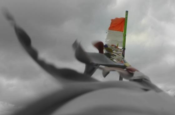 Beginilah Bendera Merah Putih Berkibar di Garis Pantai Indonesia...